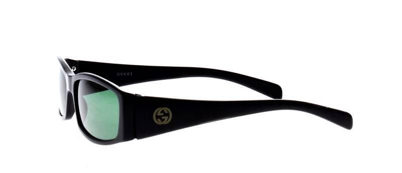7a486b8c3e14d Lote 151 - Óculos de sol marca Gucci, Made in Italy, modelo vintage,  armações em massa preta com lentes verdes, com estojo, sinais de uso -  Current price  € ...
