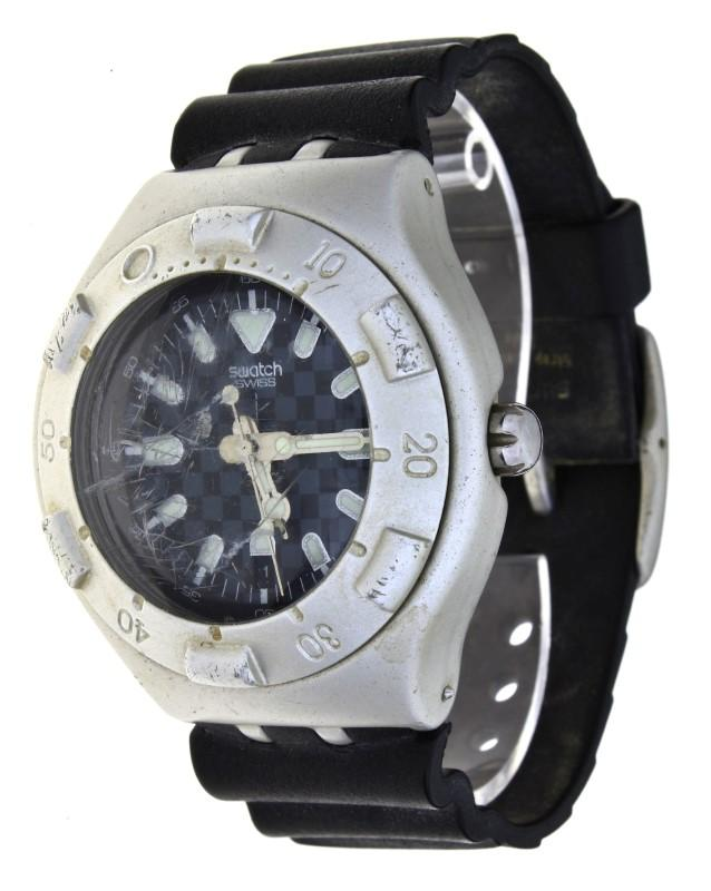 8ebd583fd97 Lote 5 - Relógio de pulso marca Swatch modelo OBSCURE YDS4001