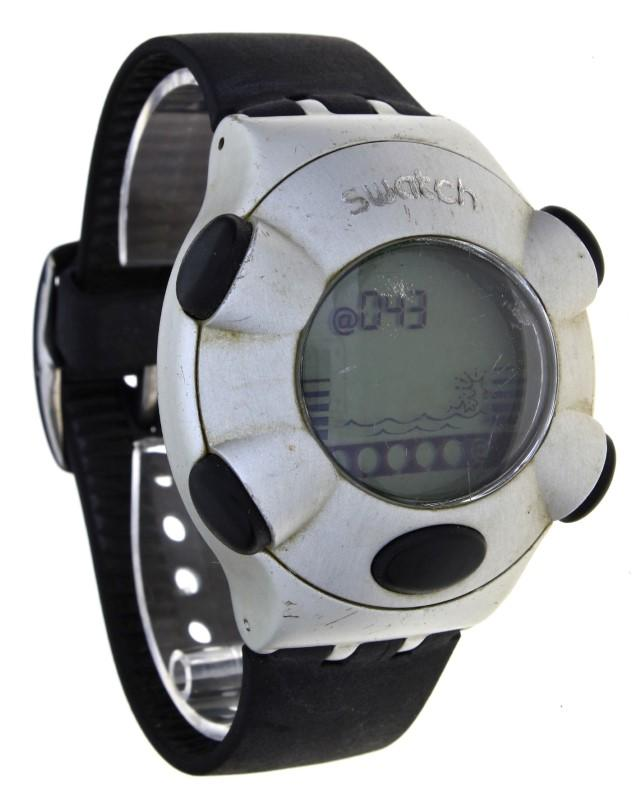 a6fe037b1bb Lote 39 - Relógio de pulso marca Swatch modelo Virtual Wave I YFS4000