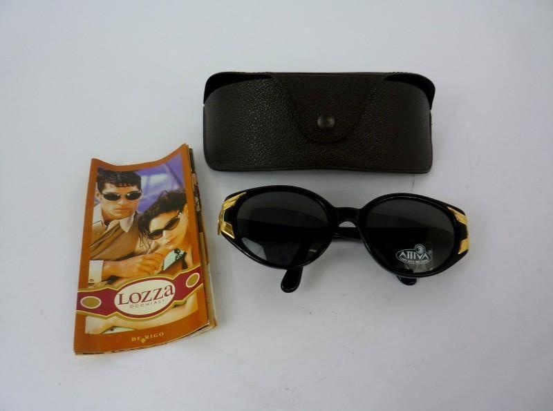 Lote 253 - Óculos de sol LOZZA by Dierre, armação de massa cor preta com  aplicações de metal dourado, lentes Attiva Melamina, protecção UV 3, ... d7c3141485
