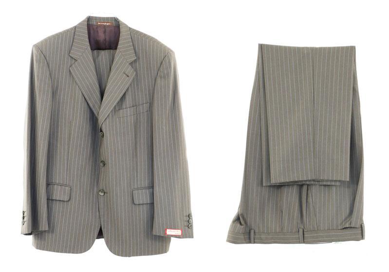 11f7ba594b4e3 Lote 4192 - EMIDIO TUCCI, FATO DE HOMEM - Conjunto de calças e casaco em  tecido de lã de cor castanha com lista cinza, com etiqueta Emidio Tucci, El  Corte ...