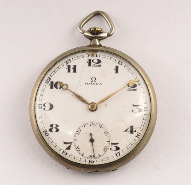 2c2be4bbf09 Lote 5354 - OMEGA SÉC.XIX XX - Relógio de bolso antigo da marca OMEGA 15  Jewels Swiss Made. Movimento mecânico de corda com funcionamento a 15 Rubis.
