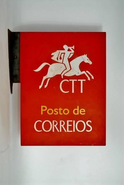 Lote 660 - Placa dos CTT - Posto de Correios, serigrafada em ambos os  lados, com 43x32 cm - Price Estimate: €0 - $0