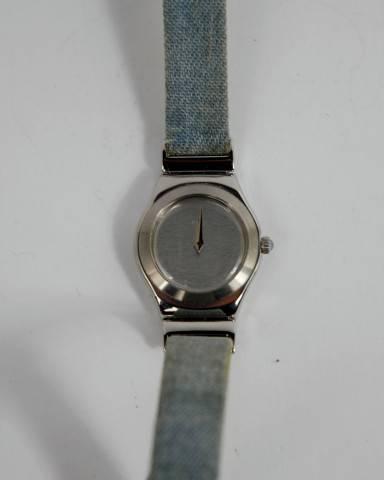 27b5582efc8 Lote 588 - Relógio pulso Original Swatch