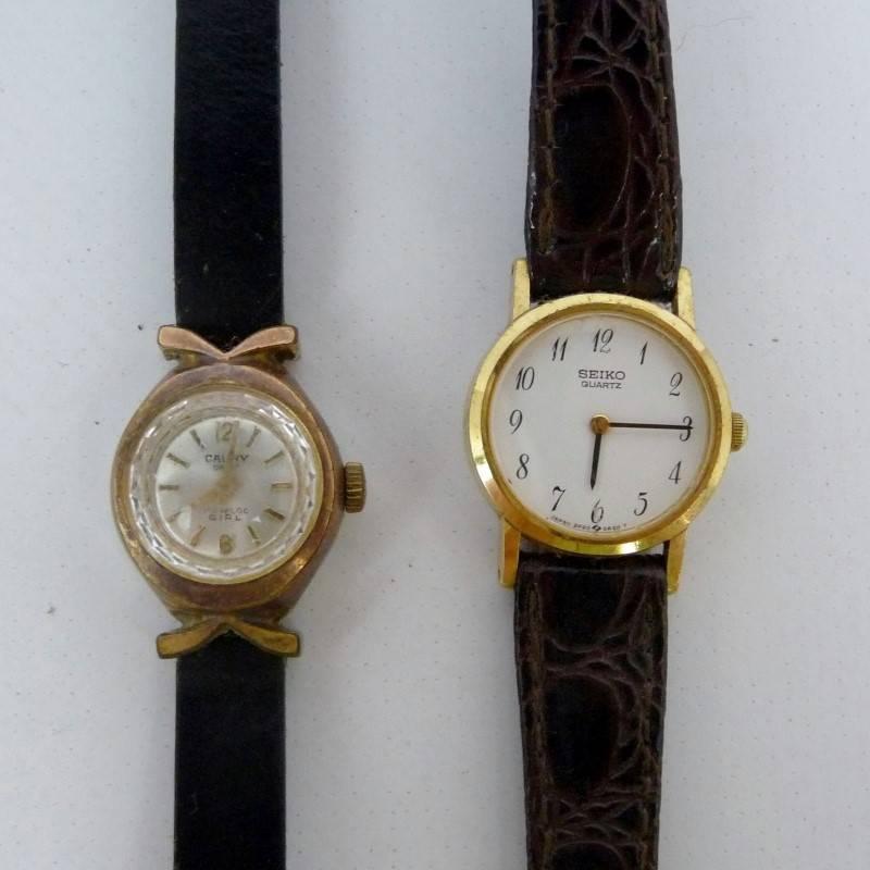 dade7efa1dd Lote 23 - Dois relógios de pulso