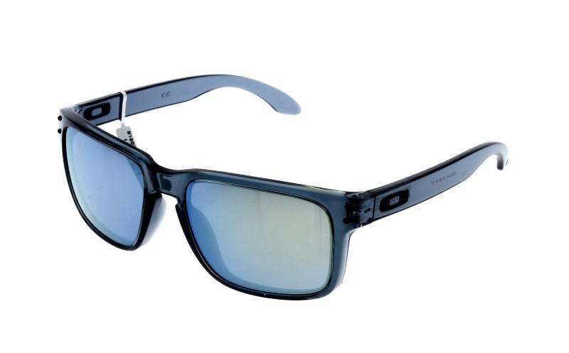 2d5d96a0c Lote 51 - Óculos de sol Oakley - Holbrook, armação em massa preta  transparente. Notas: Novos, 100% originais e autenticos. Com 2 anos de  garantia.